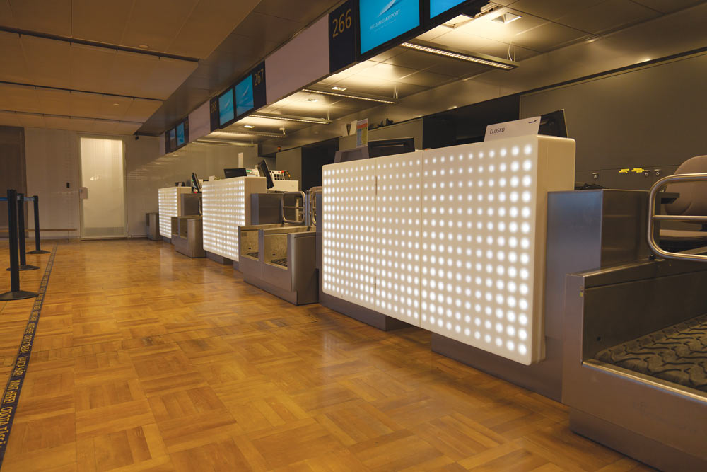 Helsinki Vantaa Airport Check-in Desk using the Modular Lighting Profile System